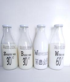 """Glazen fles """"Zwarte was"""" 2 st."""