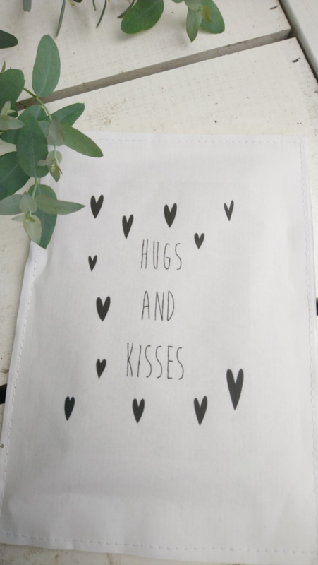 Geursachet Craft wit hugs and kisses 6 st.