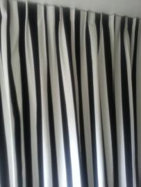 Gordijnen kinderkamer zwart wit streep.