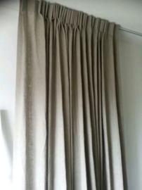 Gordijnen linnen met plooien/ haken.
