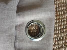 Inbetweens linnen met zeilringen.