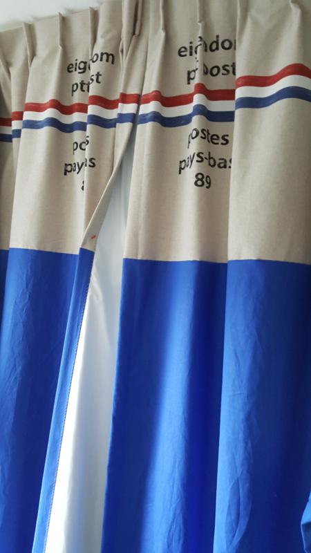 PTT gordijnen gevoerd blauw.