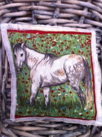 Lavendelsachet wit paard