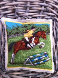 Lavendelsachet Springend paard met ruiter