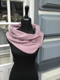 Sjaal rose met speld