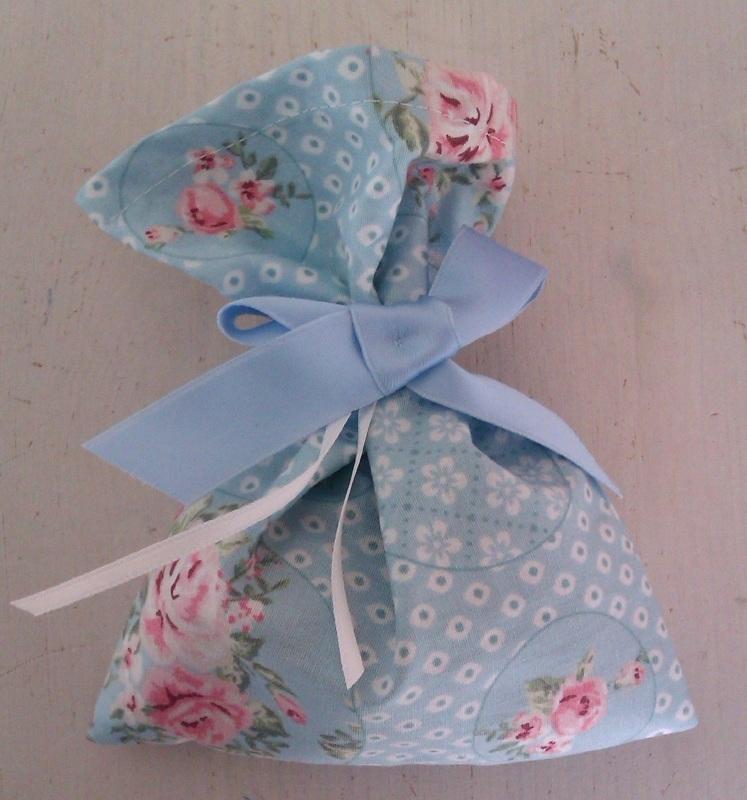 Mottenzakje blauw/wit bloem