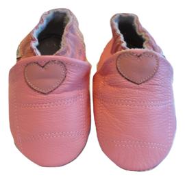Roze met een hartje slofjes
