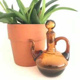 """Vintage klein glazen schenkkannetje met """"stop"""" bruin glas"""