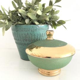 Vintage glazen schaaltje met losse deksel, groen/goud