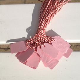 Prijs kaartjes( tags) licht roze S, rode draad
