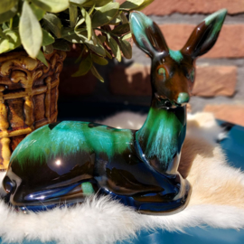 """Vintage terracotta  beeld """" hert"""" zwart/ groen glazuur"""