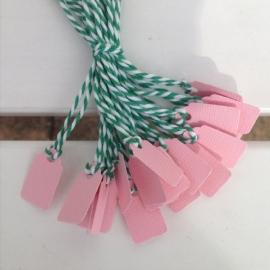 Prijs kaartjes( tags) licht roze S, groene draad