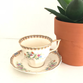 Vintage kop en schotel 90, Royal Duchess, Queen Anna, hand beschilderd