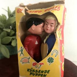 """Vintage""""Magneto""""Spielwaren; """"Kissing dolls"""", nr. 168, Collecters item!"""