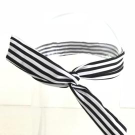 Haarband met ijzerdraad zwart/witte streep