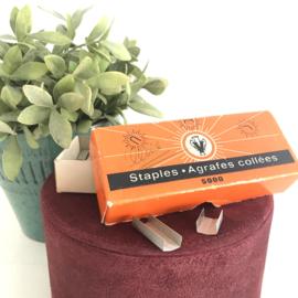 """2 Vintage doosjes nietjes/ staples """"Bostitch"""" & """"Agrafes collées"""" B8"""