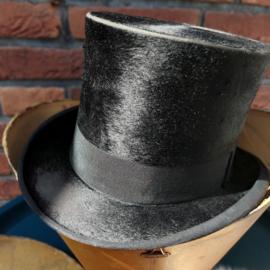Antieke zijden zwarte hoge hoed, ca. 19.00