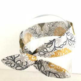 """Haarband met ijzerdraad """"uit eigen atelier"""", retro print"""