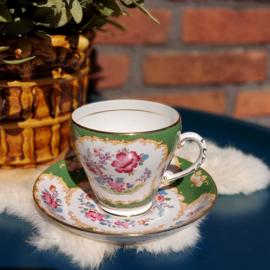"Vintage kop en schotel 133,  ""Royal Crafton""  Bone china"
