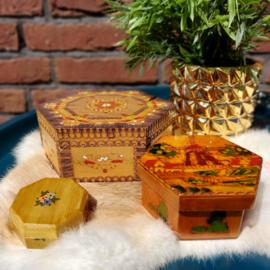 Vintage set van 3 houten hexagon( 6 hoekig) doosjes