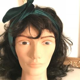 """Haarband met ijzerdraad """"uit eigen atelier"""", fluweel emerald groen"""