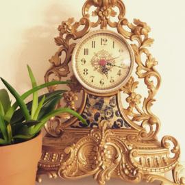 """Vintage klok in een """"nieuw jasje"""", goud"""