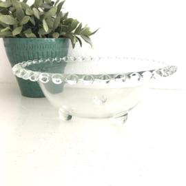 Vintage glazen grote schaal met  bobbeltjes aan de rand