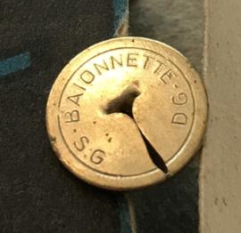 """Vintage punaise doosje""""Punaise Baïonnette"""" mét punaises"""