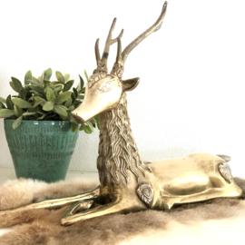 Vintage beeld liggend hert van koper (Regency)