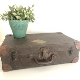 Antieke koffer met halve sticker Factorij der Nederlandsche... Van Gend en Loos