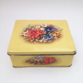 """Vintage blik zacht geel met bloemen """"Verkade"""""""