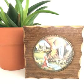 """Vintage doosje met bol glas schilderij """"verschijning van Maria, Lourdes""""  op deksel"""