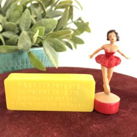 """Vintage""""Magneto""""Spielwaren; """"Dans Marieke""""/ """"Ballerina"""", Collecters item!"""