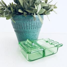 Vintage asbak? inkt/verfbakje? in anna groene kleur, lijkt op vasaline/uraniumglas