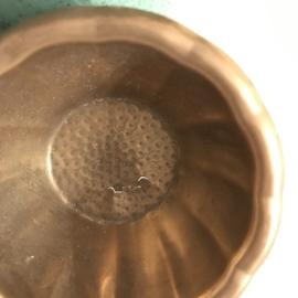 Vintage messing theezeefje met opvangbakje