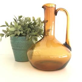 Vintage grote glazen karaf bruin