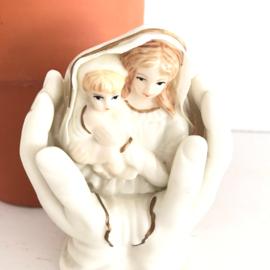 """Vintage brocante beeldje """"handen met Maria en kind"""""""