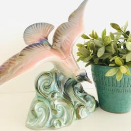 Vintage beeld  meeuw, Lusterware glazuur( parelmoer)