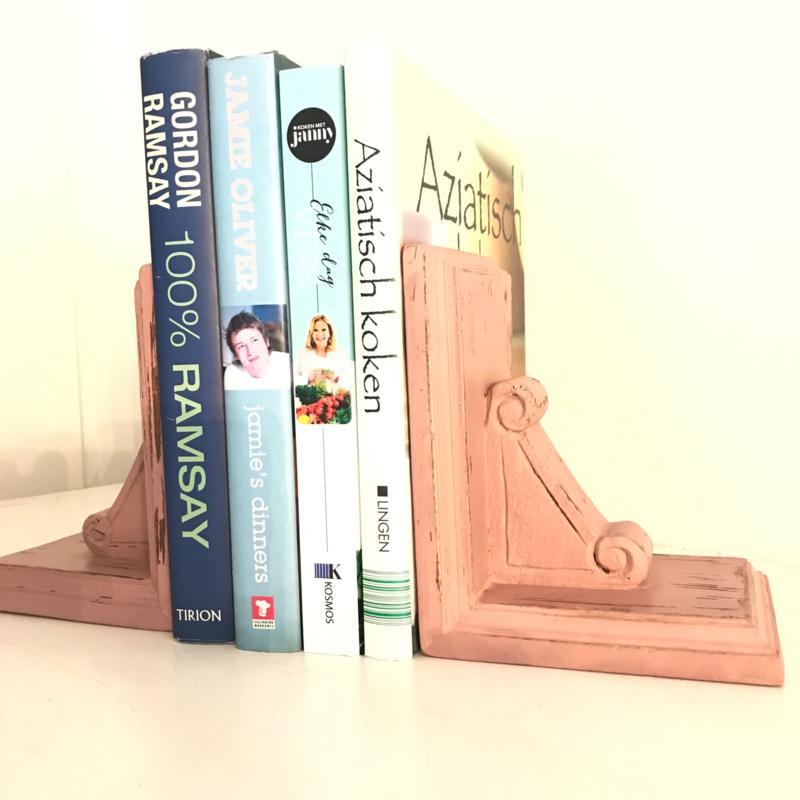 Vintage gerestylde houten boekensteunen