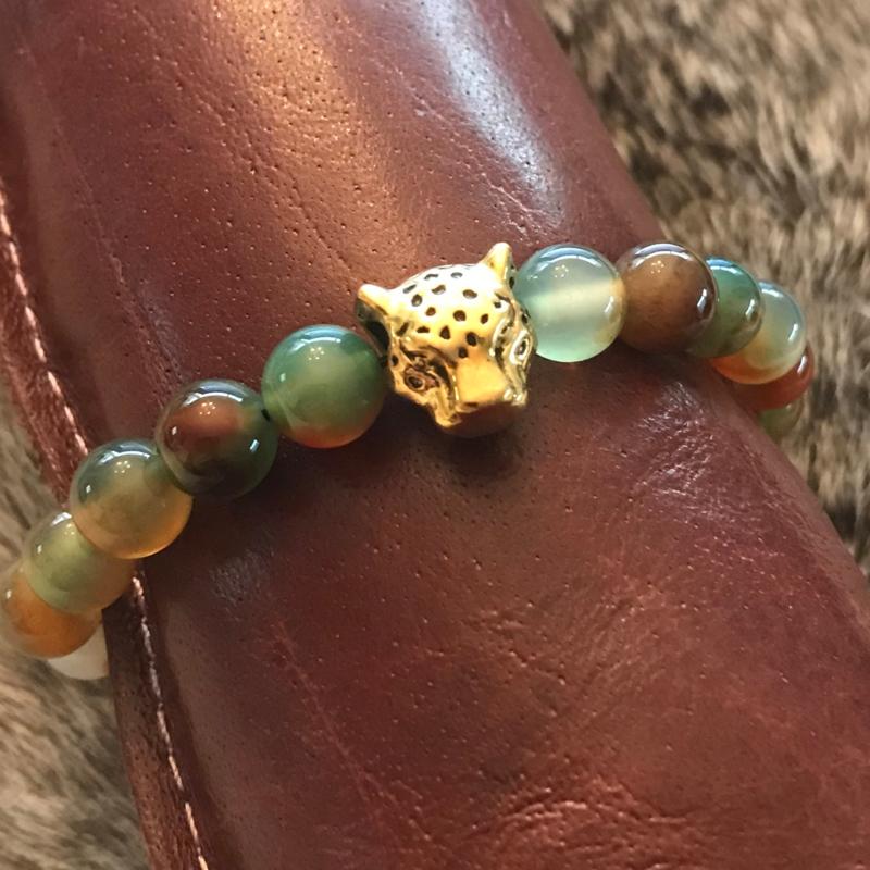 """Armband natuur stenen kralen met """"gouden"""" panter nr. 6, uniek en handgemaakt"""