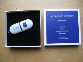 Ad de Regt - Luisterboek van Een cursus in wonderen op USB-stick