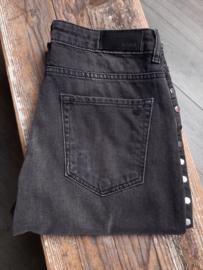 Studded jeans 'NIKKIE - Baila Hexagon' (maat 29)