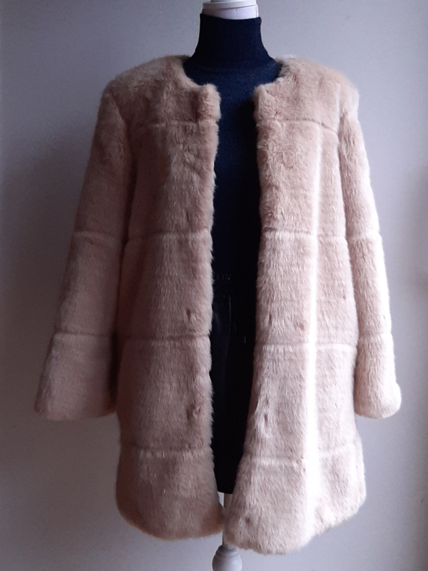 Faux fur mantel 'ZARA' (maat L)