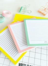 Studio Stationery - Notitieblok vierkant (roze)