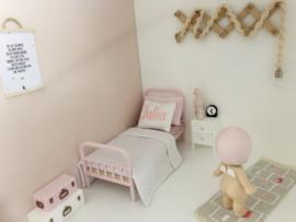 Textiel | Naamkussen | wit + roze | Type Julia