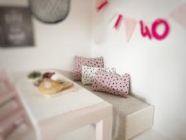 Mini Tipi | 3 x 5 cm kussentje | oud roze met dots
