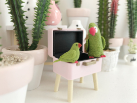Livingroom | Set of 2 Parrots | green