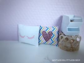 Textiel | slaapkamer | Kussentje  | 4 x 5 cm | chevron + glitter hart