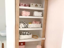 Badkamer | stapeltje handdoeken | wit