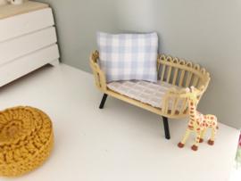 Textiel | Kussentje  | 4 x 5 cm | licht blauwe ruit